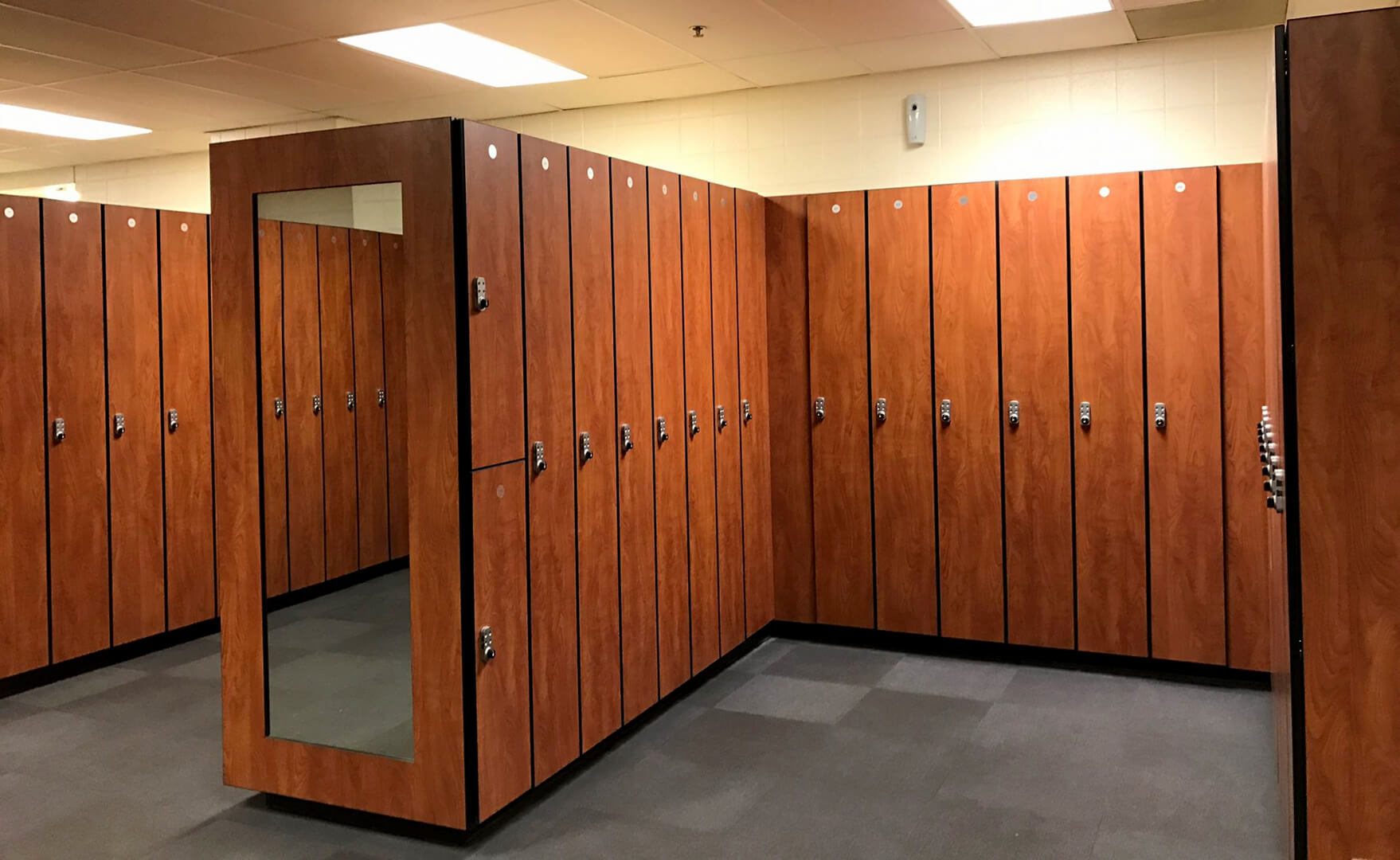 Ideal Products Custom Locker Amp Locker Room Manufacturing